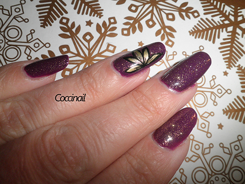 nail art violet et or