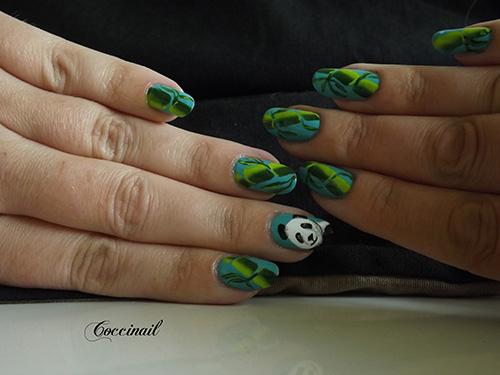 Nail art panda et bambou
