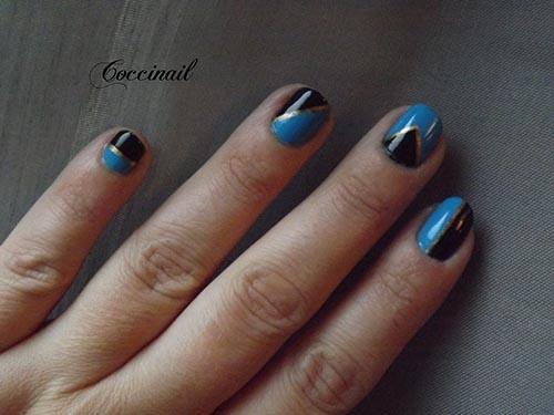 Nail art géo bleu et noir