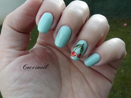Nail art cerises